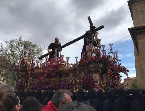 ¡Mirar al Cristo crucificado y resucitado!