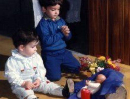 Oramos con los niños en el Adviento